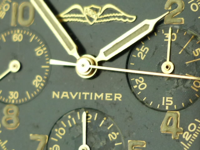 The AOPA logo can be clearly seen here on this vintage Breitling Navitimer