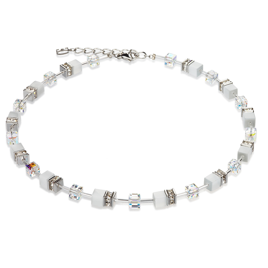 Fine glass cylinders and sparkling Swarovski crystals. This delicate Coeur De Lion Necklace is perfect for the Christmas period. With it's wonderful white crystal appearance, this necklace recaptures the spirit and shine of the festive period.