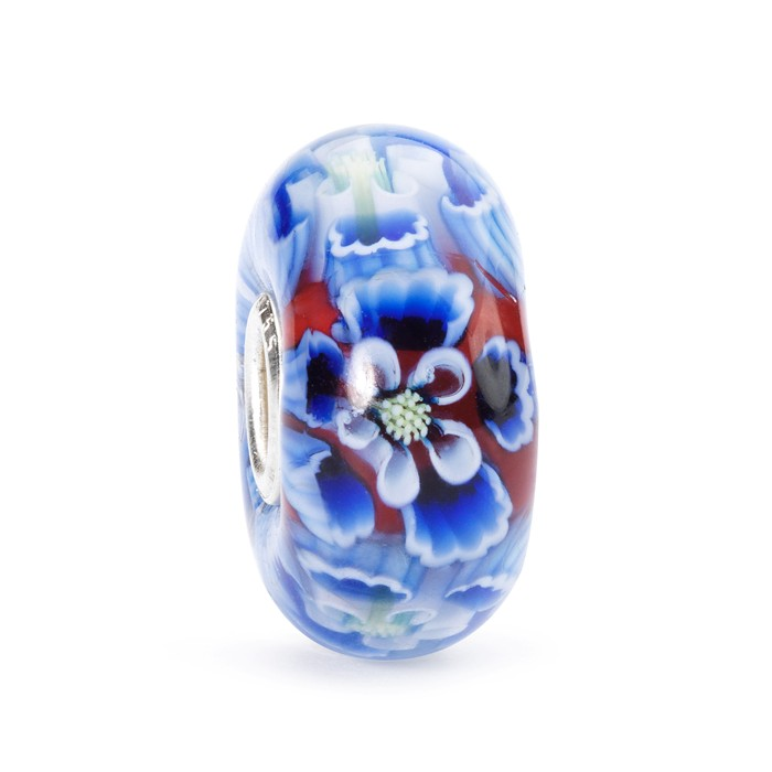 Show your ageless beauty that your love for her is ageless, timeless and eternal with this Limited Edition Trollbeads Murano Glass Bead. Ageless Beauty Bead. £45
