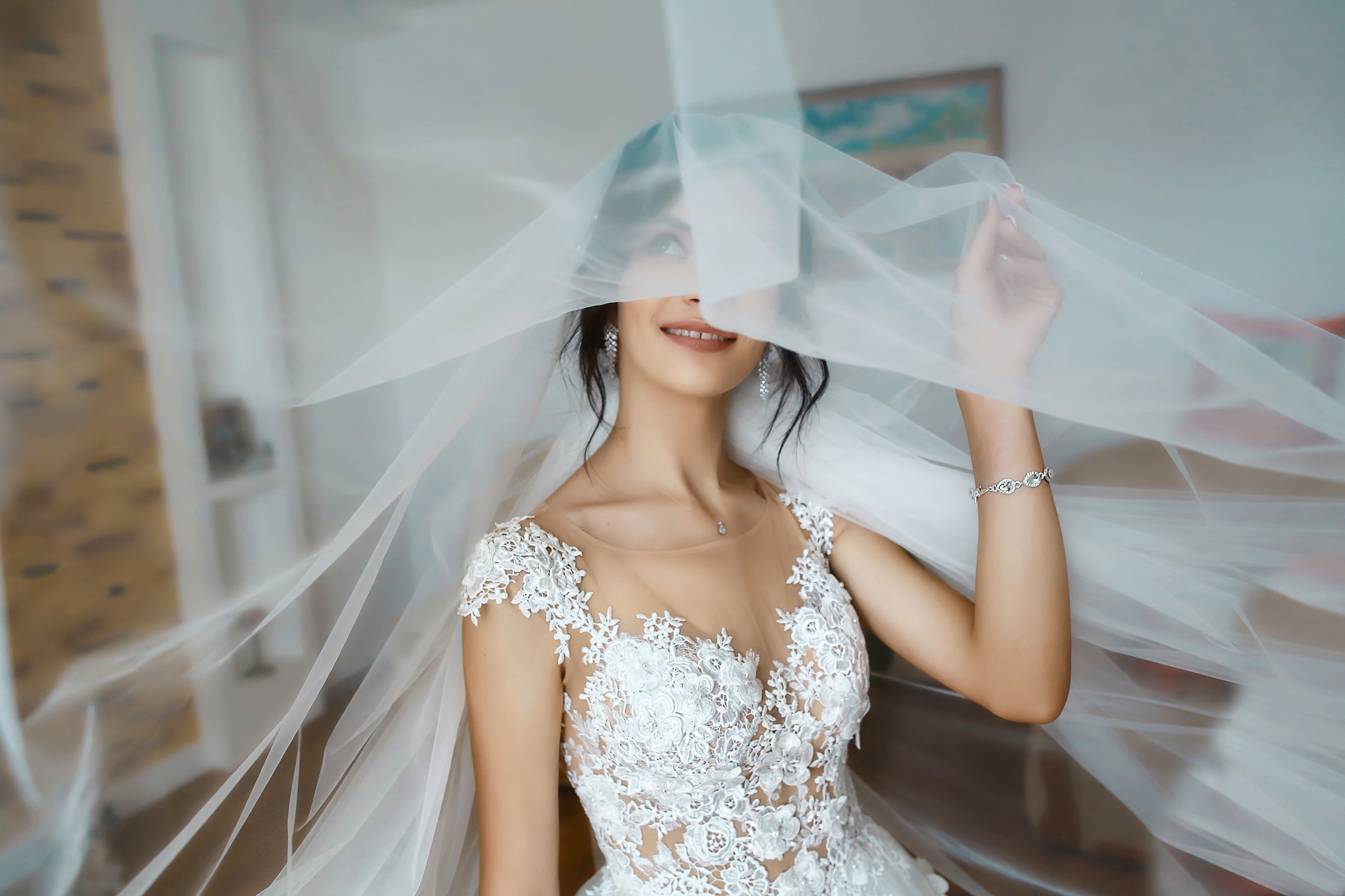 bride wearing a veil for her wedding